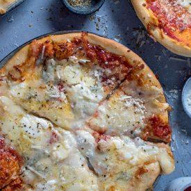 Vier-Käse-Pizza: Es ist wieder Pizzafreitag