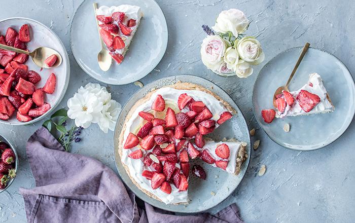 Erdbeer-Mandel-Torte mit Zitronenquark: Schnelles Sommerkuchen-Glück