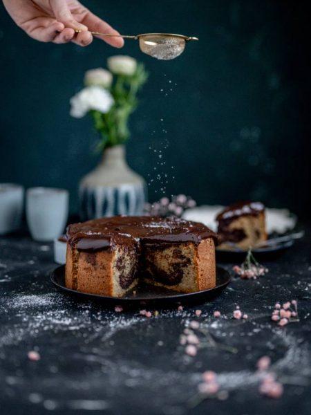 Mandel-Marmorkuchen mit Schokopudding-Topping