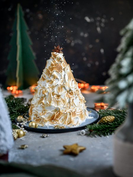Alaska Lemon Meringue Kuchen in Tannenbaumform