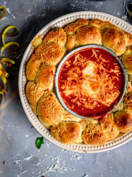 Monkeybread-Kranz mit Käse: Ein Silvester-Snack