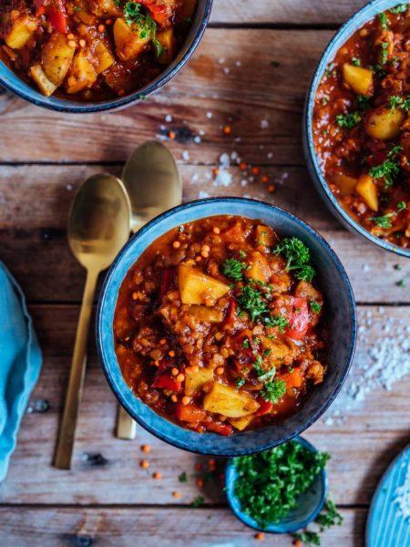 Paprika-Kartoffel-Topf mit Linsen: Schnell gekocht im Home-Office oder zum Feierabend