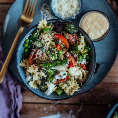Spargel-Pasta-Salat: Frühlingsbeilage zum Grillen