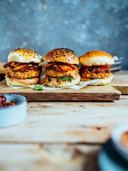 Crispy Süßkartoffel Burger: Kommt, wir schlemmen vegetarisch