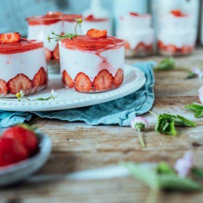 Erdbeerkuchen im Glas: Ein Kuchen in Dessertform