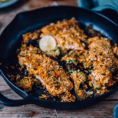 Lachs aus dem Ofen mit Brokkoli und Knusperkruste: Soulfood zum Wochenende