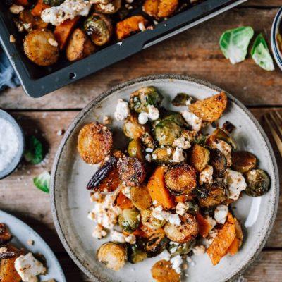Ein-Blech-Kartoffeln mit Rosenkohl und Feta: Winterliches Wohlfühlessen