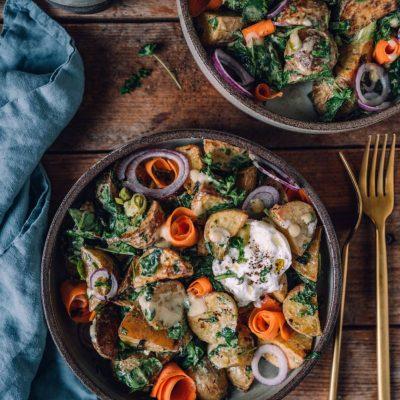 Kartoffelsalat mit Ofenkartoffeln und Honig-Senf-Sauce: Zum Grillen oder als schnelles Feierabendessen