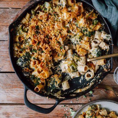One Pot Mac & Cheese mit Brokkoli aus dem Ofen: Halleluja ist das gut!