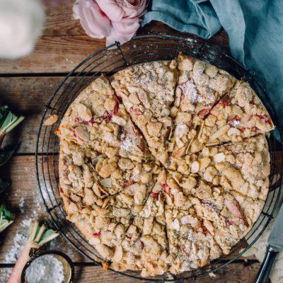 Rhabarber-Streusel-Kuchen mit Quark: Hallo Rhabarberzeit