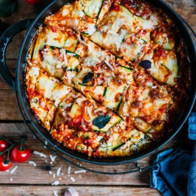 Zucchini-Lasagne mit Linsen: Low carb und schön würzig