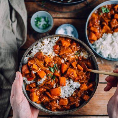 Butter-Kürbis-Curry ohne Kokosmilch: Schnelles Herbstsoulfood